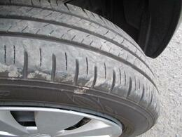 タイヤの溝は十分あります。(^J^)