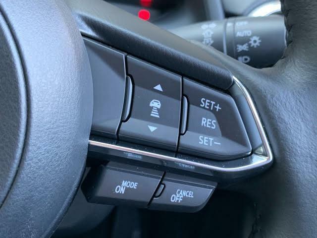 先行車両との距離感を感知しながら一定速度で走行するサポートをしてくれるレーダークルーズコントロールを搭載☆