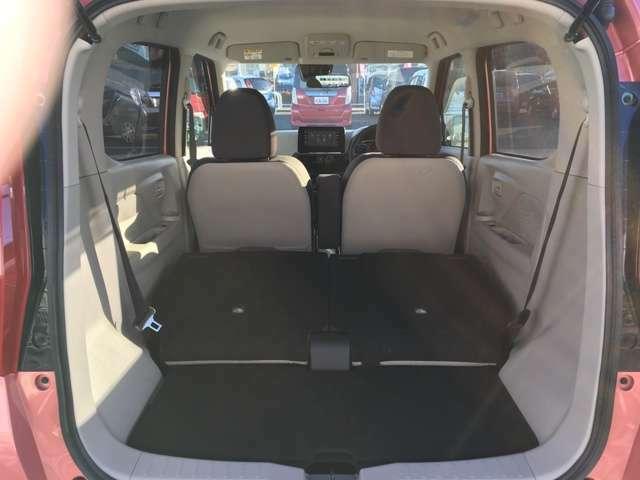 乗車人数や荷物の量に応じて後席をアレンジし、荷室を拡張することができます☆大きな荷物、長尺の荷物にも対応できますよ♪