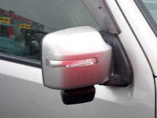 対向車への視認性UP!ウインカー付きドアミラー♪