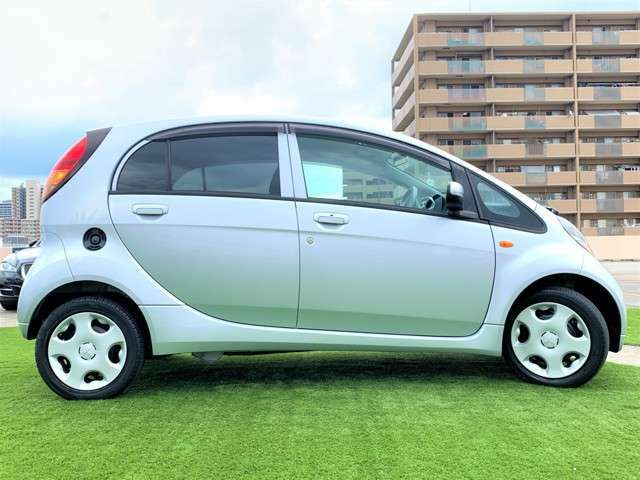 買取直販の為低価格が実現。買取車の中でも良質な車輛のみ直販してます。