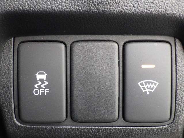 ■横滑り防止機能■発進時の空転防止とカーブ進入時のオーバー・アンダーステアの防止の効果。