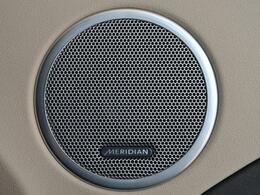 デジタルサウンド処理技術で世界をリードする英国【MERIDIAN】社と連携して開発した、専用の最先端オーディオシステムです。澄み切った美しい旋律に耳を傾け、心行くまでご堪能ください。