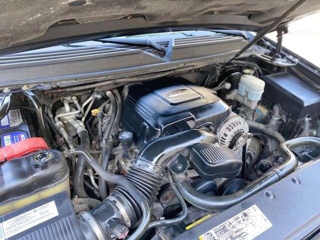 エンジンルームもピカピカ!機関もバッチリです。納車前、点検整備もさせて頂きますので、ご安心下さい。