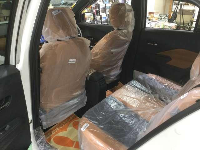 後席可倒式シートで、荷物に合わせてシートアレンジができます。