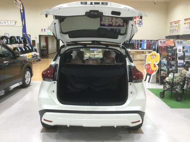 荷物の大きさに合わせて後席可倒シートをアレンジすることができます。