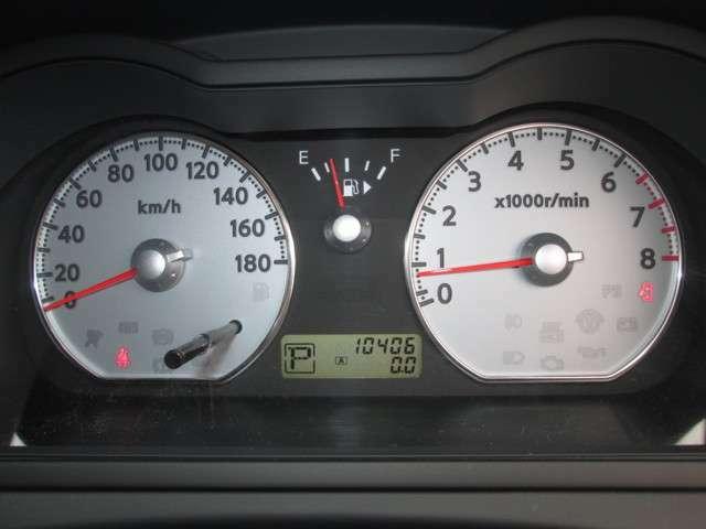少走行10,406km!当店の車両は全て新車時保証書&整備記録簿付きですので安心してお求めください。