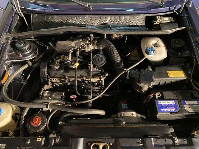 1800cc直4SOHCインジェクションエンジンは105PS・15.1kgmを発揮!風の音と古風なエンジン音とが織りなす郷愁感が堪らない魅力◎エアコンや電動幌等電装品に加え走りに関する機能も全て正常!