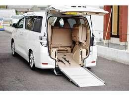 さらに、安心して中古車にお乗り頂ける様、カーセンサーアフター保証も取り扱っております!半年から3年(輸入車は2年)までのプランからお選び頂けます!全国のディーラー、認証工場で保障修理可能!