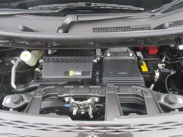 660ccのターボ付きエンジンです。アイドリングストップ付きです!