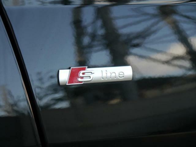 S-Lineパッケージ…専用サスペンション/専用アルミホイール/専用エクステリア・インテリアでさらにスポーティーなドライブをお楽しみ頂けます。