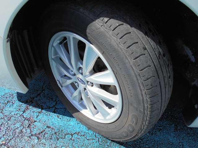 タイヤはグッドイヤー製エクセレンス付き!!タイヤ山は3~4分山あり!!新品&スタッドレスタイヤも格安海外品から国産品まで各種取り扱えますので交換ご希望の方はお気軽にご相談下さい!!!