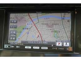 純正SDナビ地デジTVチューナー付!CD/DVDビデオ再生/Bluetoothオーディオ/SDスロット/外部入力/などなど多彩なメディアに対応可能♪