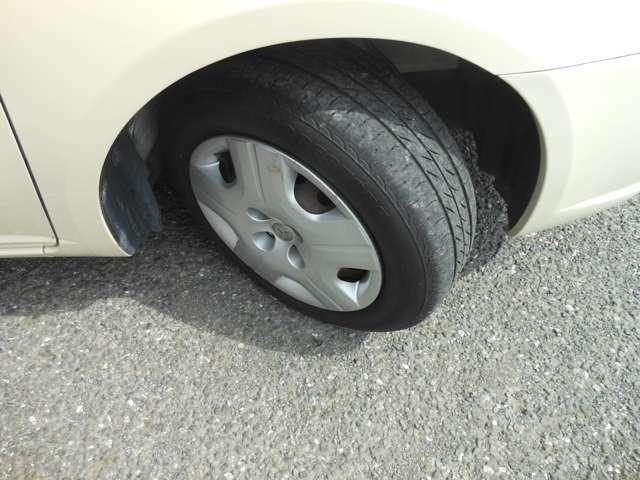 タイヤの山はタップリ残ってます!!