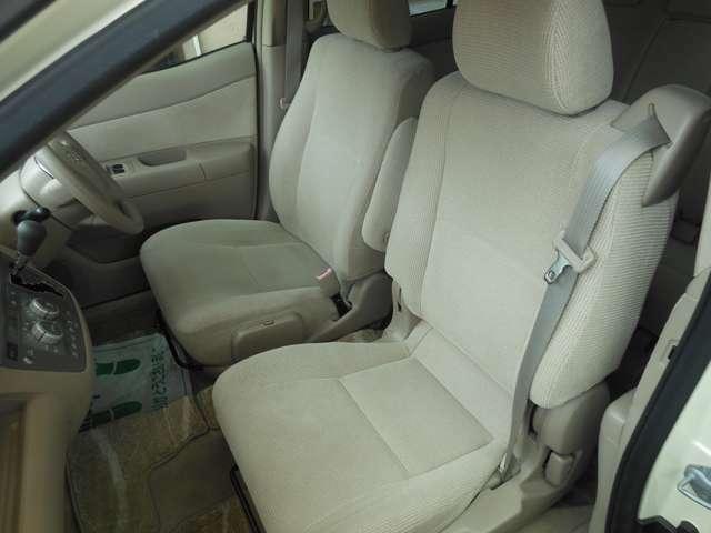 禁煙車で綺麗なフロントシート!