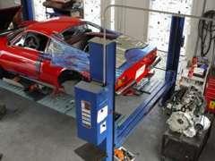 4F自社工場(認証第8436)は、フェラーリをはじめ、各車専用テスターも完備致しております。