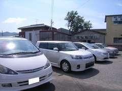 輸入車・国産車どちらも取り扱っております。