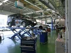 整備工場併設でアフターサービスもお任せ下さい。Honda認定資格を持ったエンジニアがしっかり整備致します。