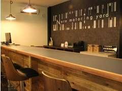 ゆったり出来る商談スペースでお客様のご要望にお応えします!
