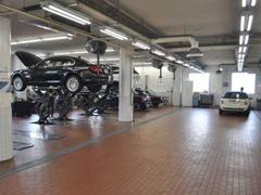 充実した設備とメカニックがお車をサポートいたします☆