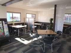 ゆったりとしたカフェを再現しました商談スペースになっています