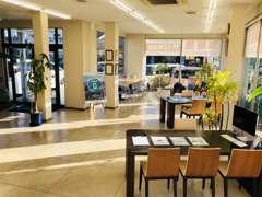明るく開放的な店内はご家族様もお一人様も快適に過ごせます!