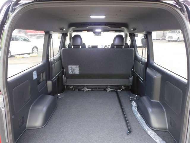 トランク内部も非常にきれいです♪