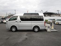 トヨタ ハイエースバン 2.0 ウェルキャブ Aタイプ ロング ルーフサイドウインドゥ付 車いす2台 純正DVDナビ