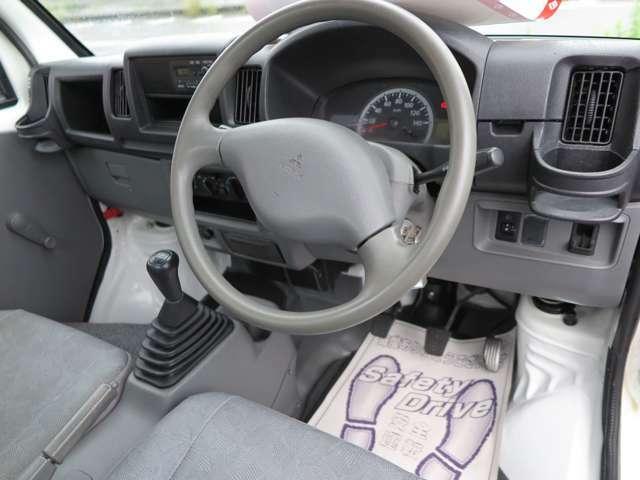 車検や鈑金塗装も承ります。お見積もりも無料ですのでお問合せ下さい。