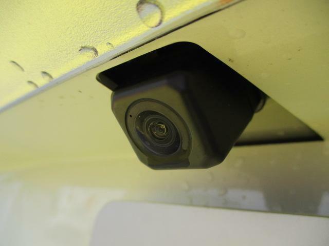 バックカメラ☆バックドア中央に設置したカメラが車両後方の映像を捉え、ナビ画面に映し出します♪