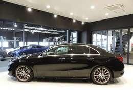 お車が展示場に無い事がございます。ご来店の際は一度お電話にて在庫のご確認を御願い致します。