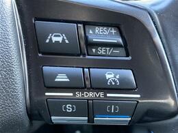 【レーダークルーズコントロール(全車速追従機能付)】ミリ波レーダーと単眼カメラで先行車を認識し、車速に応じた車間距離を保ちながら追従走行を支援します。