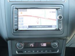 ナビは純正ナビで、CDDVDはもちろんTV、ブルートゥース、CD録音機能もついております!エアコンは、温度調節が楽なオートエアコンになっております。
