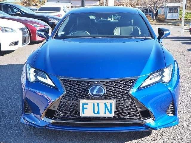 禁煙車・低走行3600キロです。オプションカラー「ヒートブルーコントラストレイヤリング(8X1)」  OP価格約15万