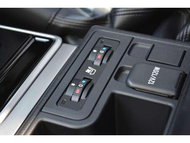 ■運転席、助手席共にシートヒーターとシートベンチレーションが装備されておりますので、季節を問わず快適にドライブをお楽しみいただけます。
