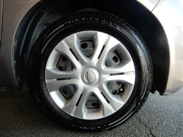 なんと!新品タイヤを装着したお得なお車です!!
