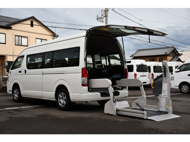この車の詳細は当社のホームページにて詳しくご説明しております。そして、当社のお客様に対する熱い想いを是非、お受け取り下さい。http://sakaide-j.com/