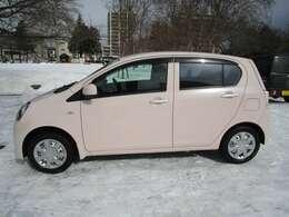 ボディーはピンクで女性も人気のお車です!