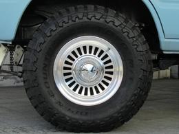 DEANカリフォルニア16インチAWにTOYOオープンカントリーMTタイヤの組み合わせ!