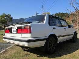 塗装チップ、クリア傷み、小腐食ありますがオリジナルペイントの残る雰囲気のある車両です!