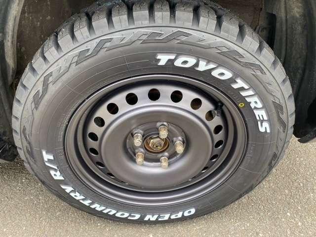 タイヤはオシャレなTOYOのホワイトレターをインストール☆ホイールは艶消しのガンメタリックで塗装済です☆