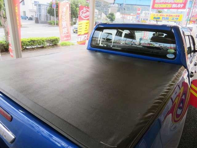 ★ユーティリティパッケージB装着車★ソフトトノカバーを装備しています★