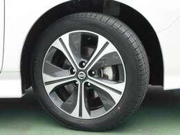 日産純正アルミホイール タイヤサイズは215/50R17
