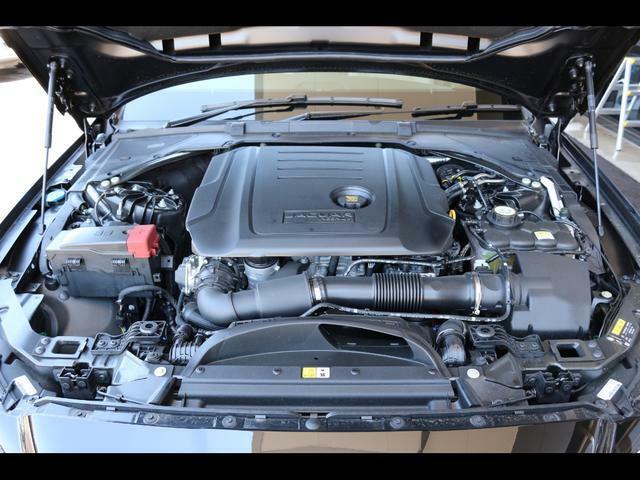 2000のディーゼルターボエンジン 180PS トルクがあるので走りやすいですよ