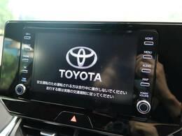 インパネ中央部の8インチディスプレイに、オーディオ機能とスマホ連携機能を搭載。オプションでT-Connectナビキット、エントリーナビキットを装着する事で車載ナビとしてもご使用頂けます!