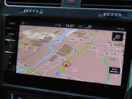 "Volkswagen純正インフォテイメントシステムDiscover Pro。9.2インチ大型画面タッチスクリーン。テレマティクス機能""Guide  Inform""やコネクティビティ機能""App-Con"