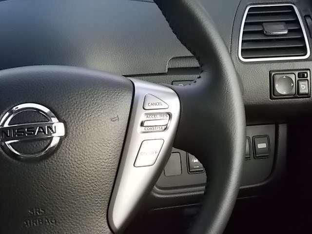 クルーズコントロールも付いているので、高速走行時など速度を設定するとアクセルを踏まなくても一定の速度で運転出来ます。