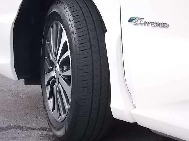 セレナ専用16インチアルミホイール装着!タイヤの溝もバッチリです☆