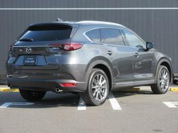 マツダの唯一のSUV!三列シートのお車です!上品でかっこいいデザインになっております!