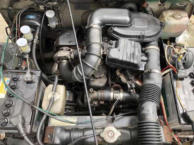 エンジンルームです。バッテリーの交換も行ってます。しっかりメンテンンスをさせて頂きます。年式の割りにしっかりしています